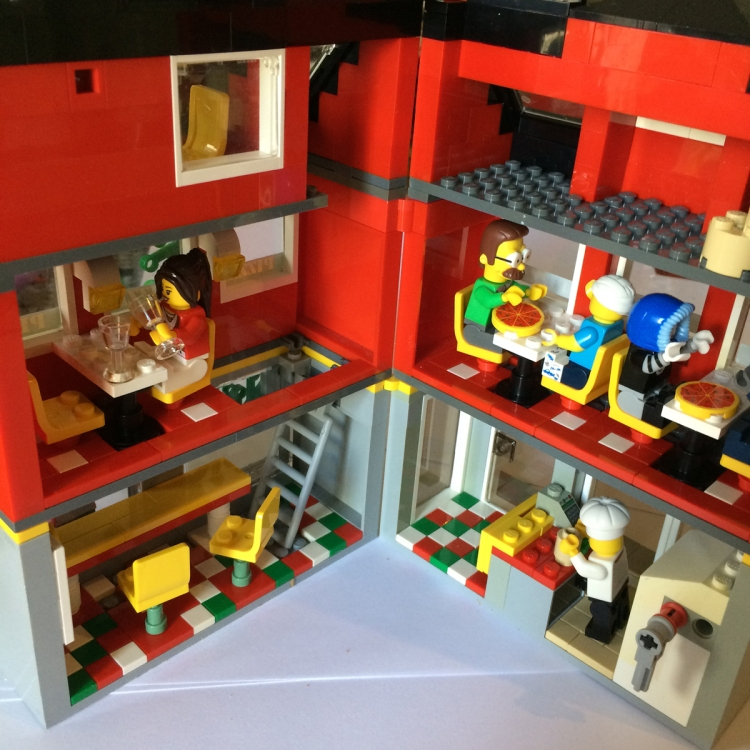 Lego Pizzaria Open
