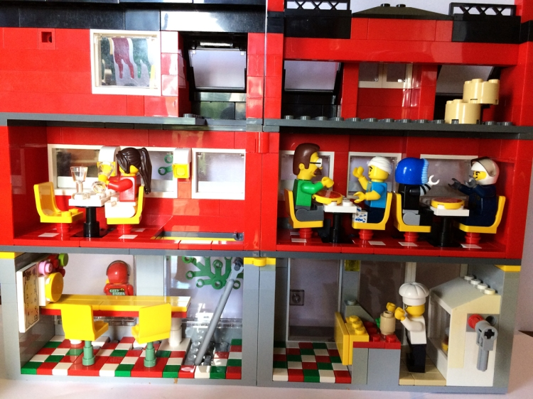lego_pizzaria_open2