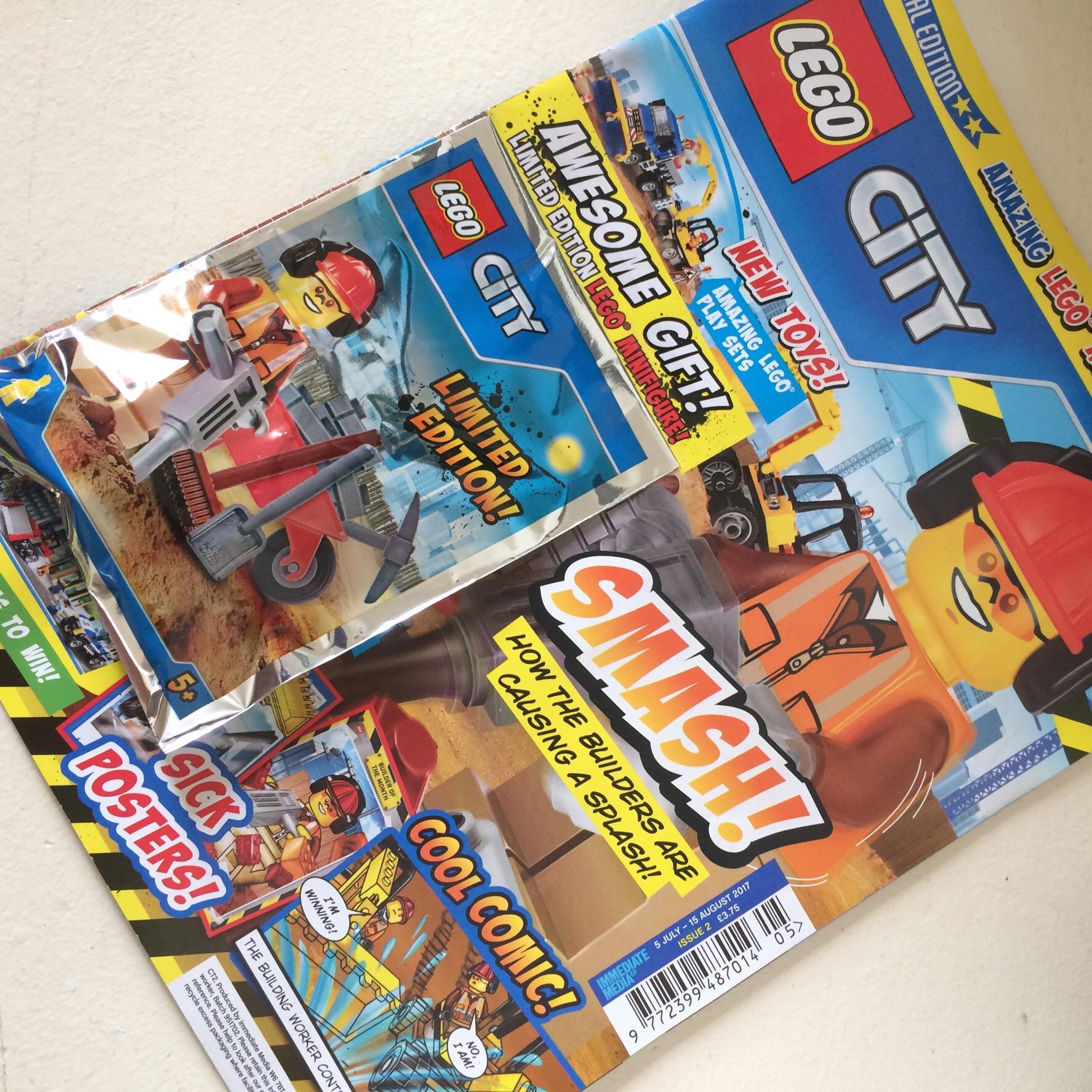 lego city magazine issue 2 lisa loves lego. Black Bedroom Furniture Sets. Home Design Ideas