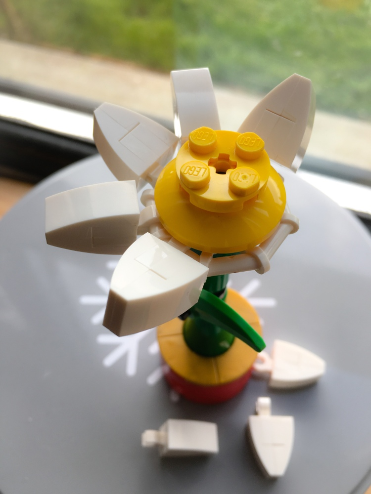 Lego Daisy with plucked petals