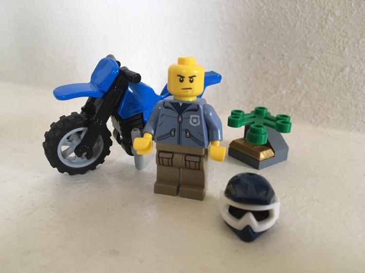 LEGO City MOUNTAIN police