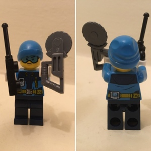 Front and back of Lego city arctic explorer