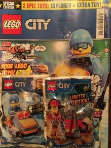 Lego City Magazine Issue 10 with artic explorer