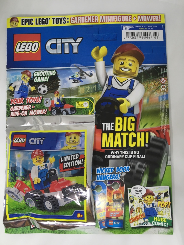 Front cover of LEGO CITY Magazine Issue 13