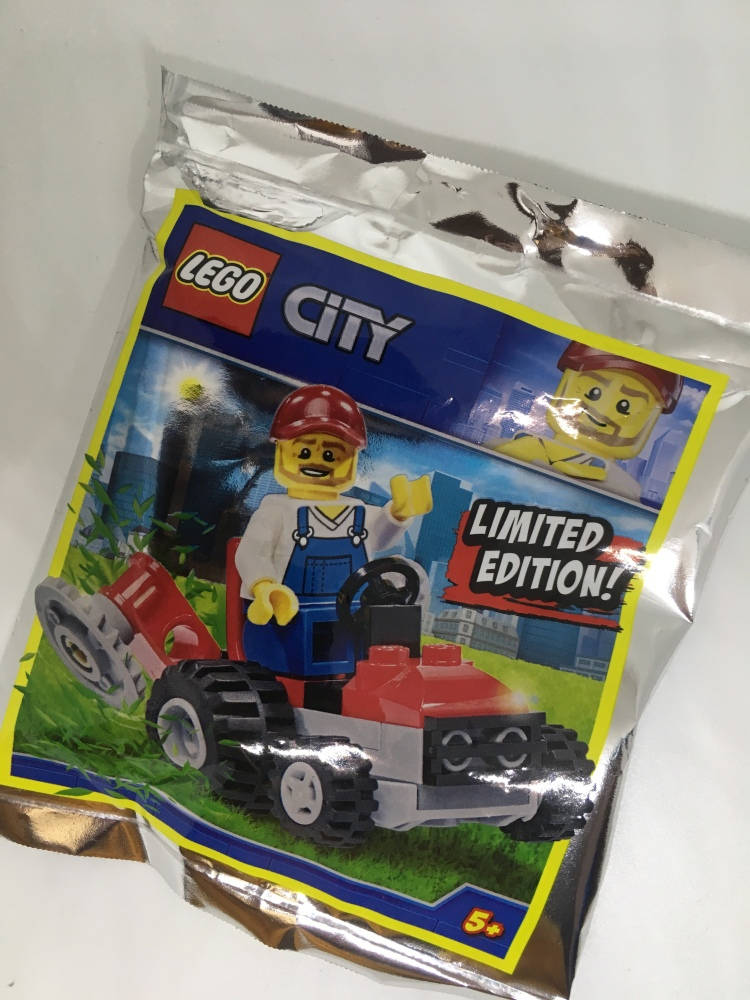 Lego City Magazine Issue 13 tractor lawnmower gift