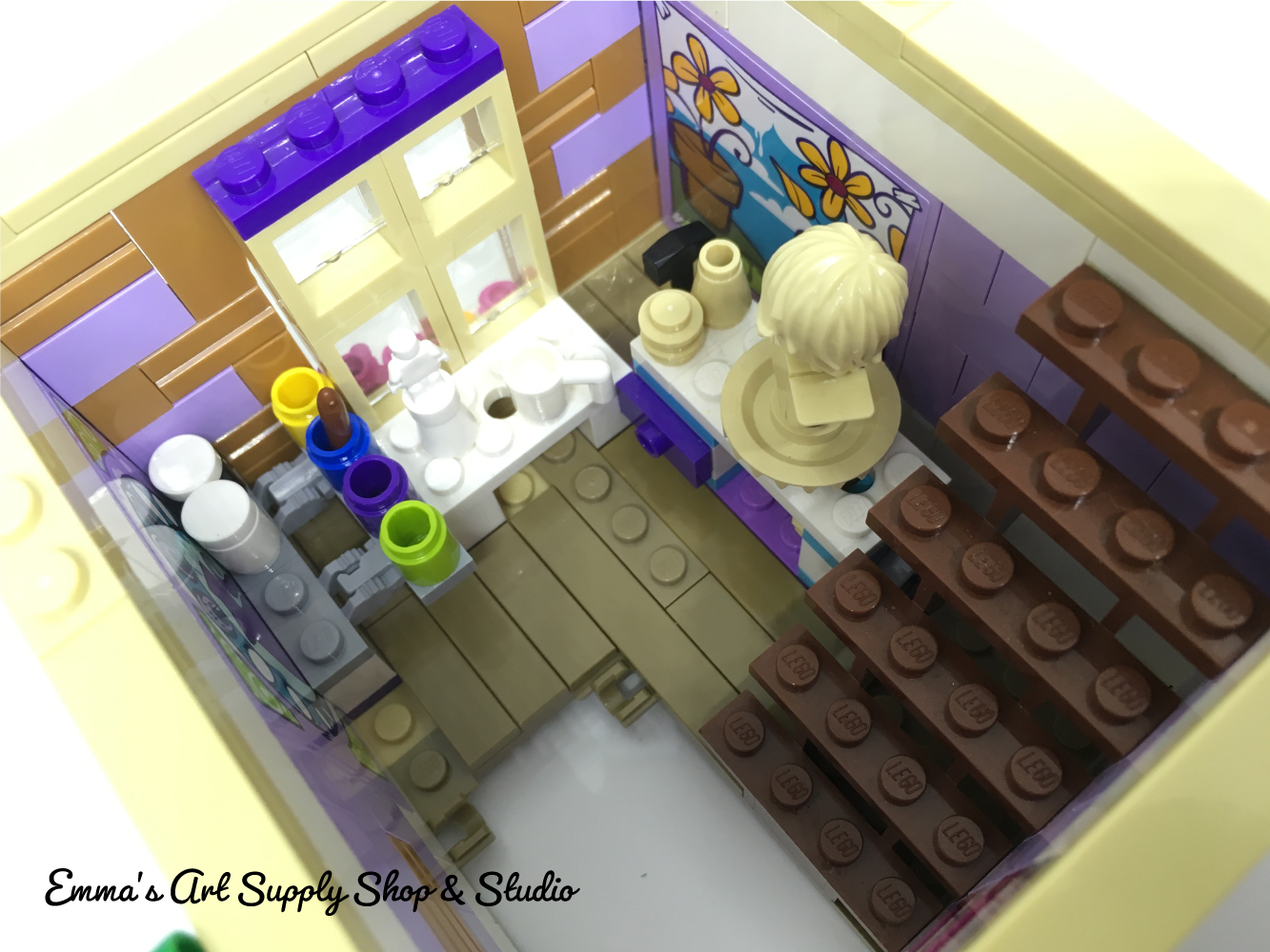 LEGO Friends Emmas Art Supply Shop and Studio